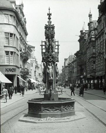 Freiburger Fischbrunnen 1937