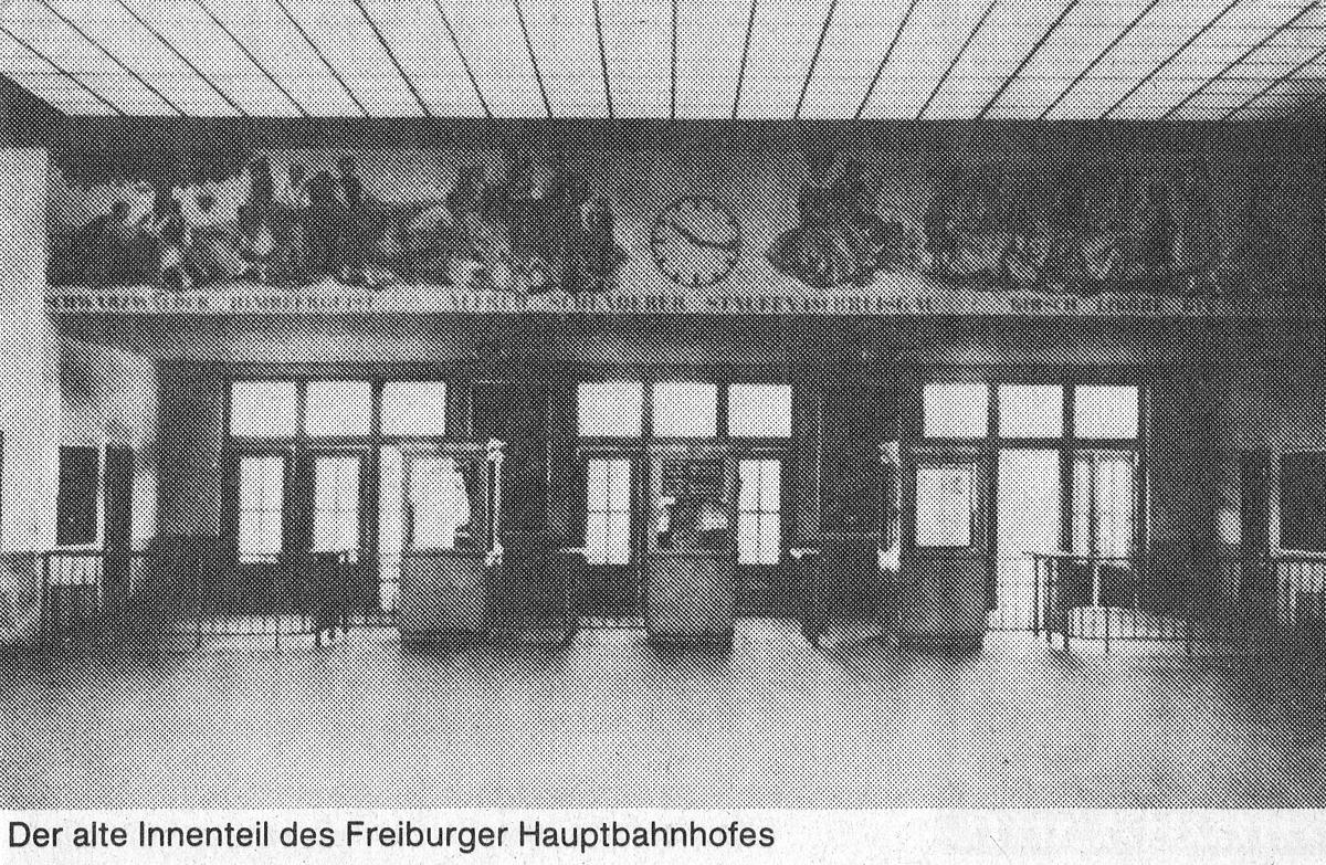Schalter für Gleiskarten im Hauptbahnhof Freiburg vor 1970