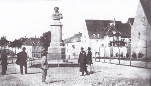 Rotteckdenkmal