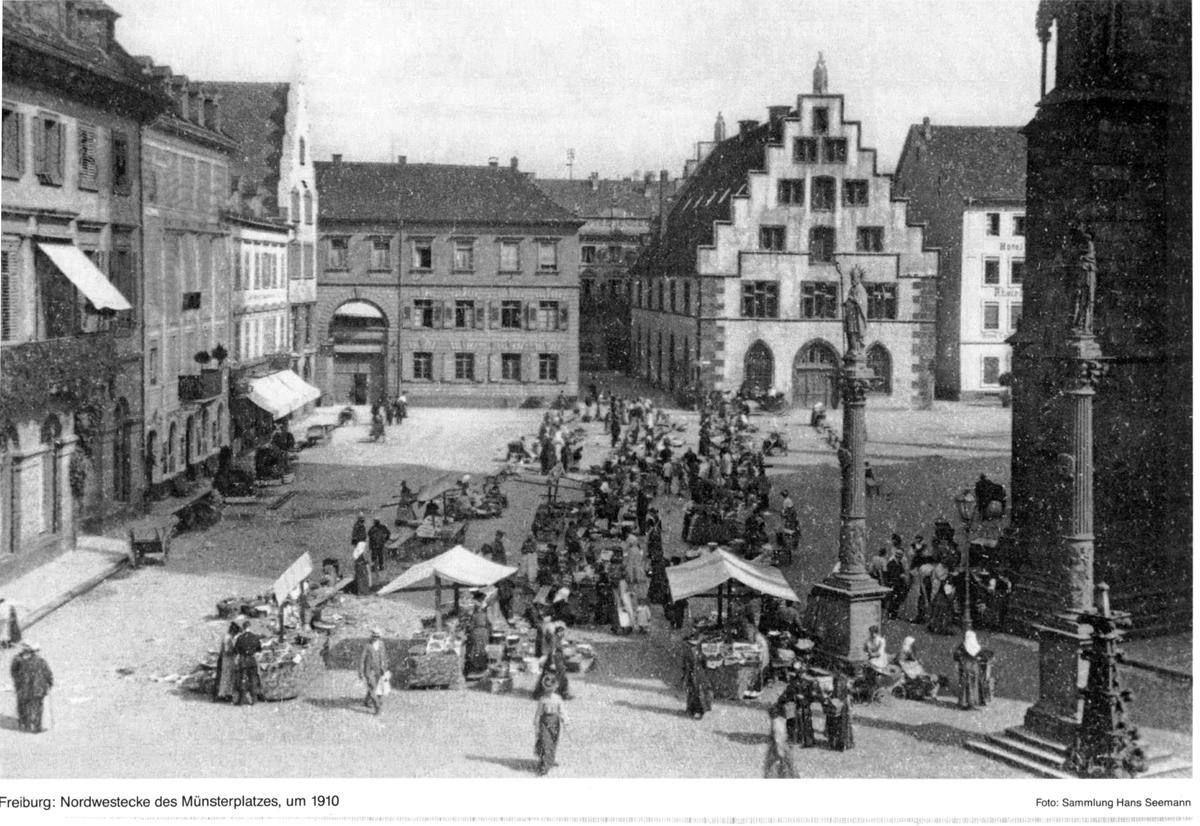 Freiburger Münsterplatz um 1910
