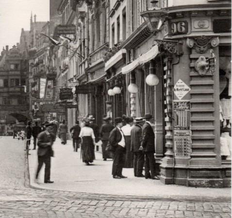 Kaiserstraße mit Bertholdsbrunnen und Martinstor 1913 (Repro)-001