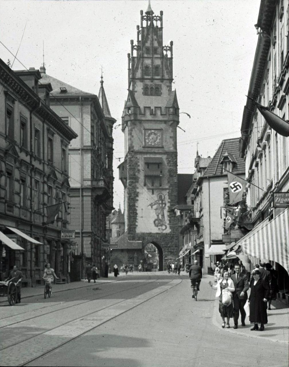 Aussenansicht des Freiburger Schwabentor 1937