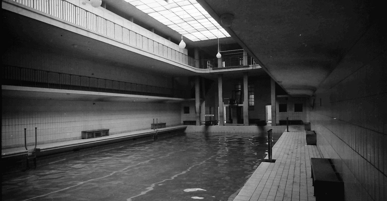 Marienbad_große_Schwimmhalle_1954