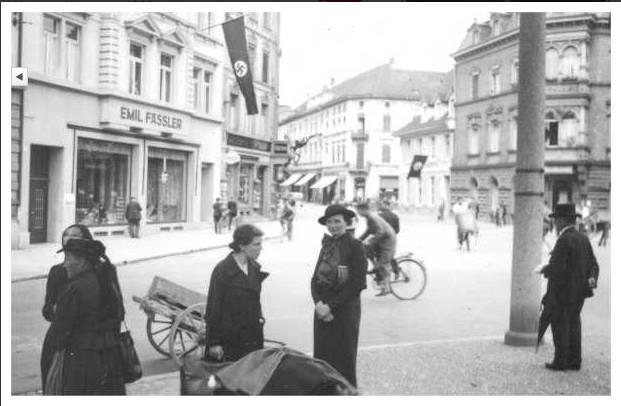 Gertrud Luckner an der Schwabentorbrücke Freiburg